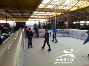 Kerstfair met mobiele ijsbaan, Hanos opening Kerstsfeer 28 november 2015 Mobil Ice 001