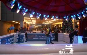 Mobil Ice ijsbaan in Beatrix Kinderziekenhuis UMCG te Groningen in december 2009